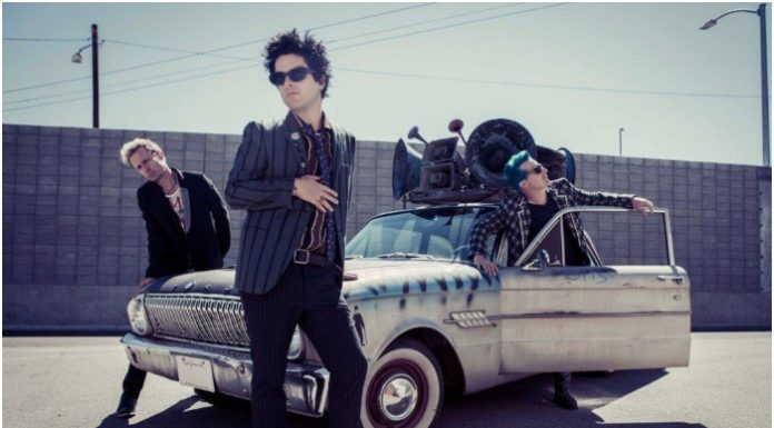green-day-new-photo-size-696x385